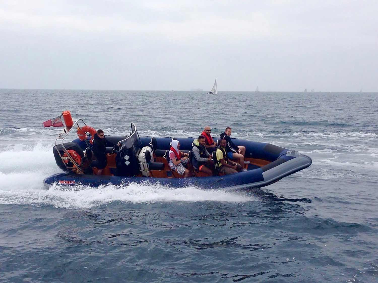 hen-party-weekend-brighton-activity-powerboating-ride